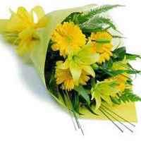 Send flowers cakes chocolate to kolkata
