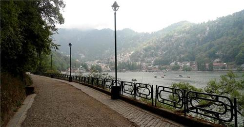 Lake Darshan from Thandi Sadak in Nainital