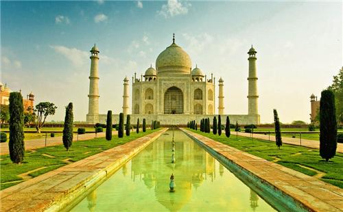 Taj Mahal One Day Trip