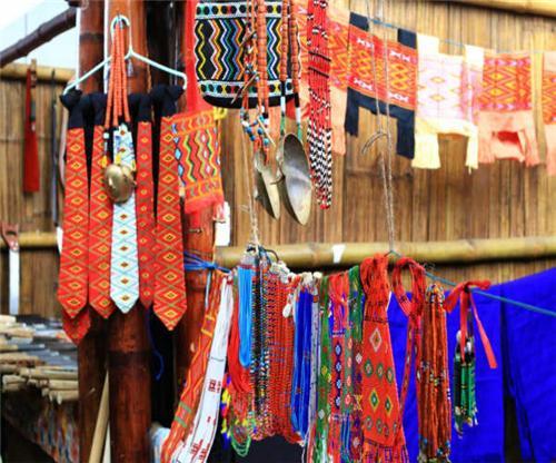 traditional naga shawls