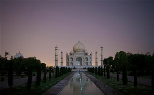 Timings of Taj Mahal during night