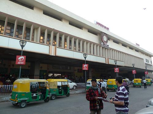 Day at Ahmedabad Railway Station