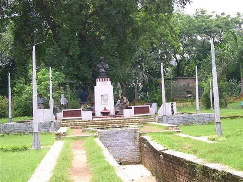 Alfred Park Allahabad Tourist Spot