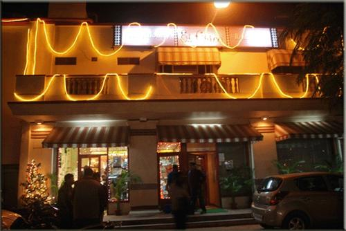 Famous Food Joint in Allahabad