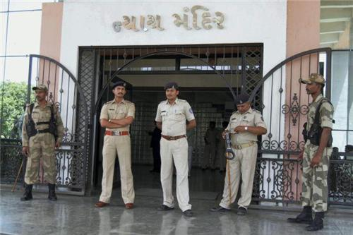 Police Services during the time of emergency in Anand