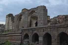 http://im.hunt.in/cg/Andhra/Adoni/City-Guide/m1m-Fort-Adoni.jpg