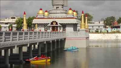 http://im.hunt.in/cg/Andhra/Eluru/City-Guide/m1m-Buddha-park-eluru.jpg