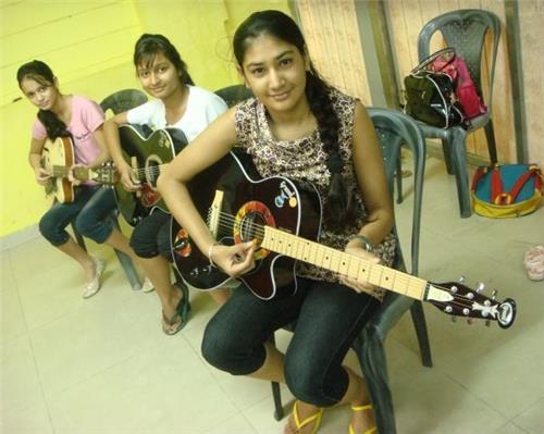 Music class in Bhavnagar