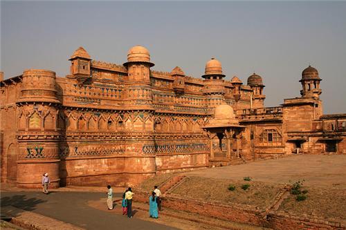 Tourist destinations near Bhind