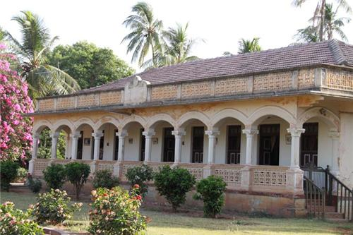 Structure of Sharad Baugh Palace in Bhuj