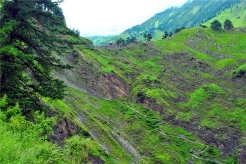 nearing Jalsu Pass