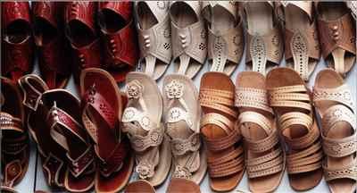 http://im.hunt.in/cg/Chamba/City-Guide/m1m-shoe-making-in-chamba.jpg