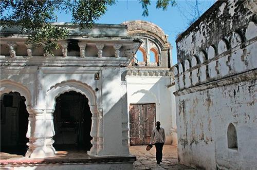 About Chhuikhadan
