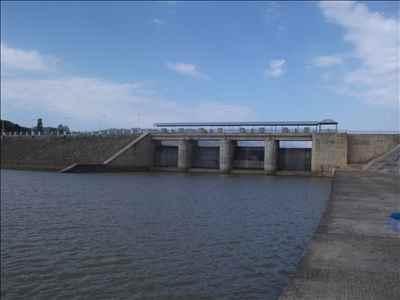 http://im.hunt.in/cg/Churachandpur/City-Guide/m1m-Dam1.jpg