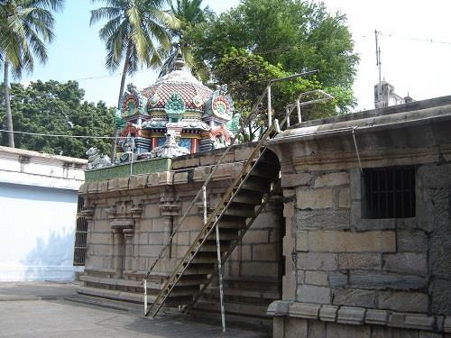 Shiva Shrine Uthamar Kovil