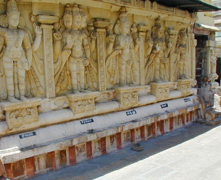 Stone Carvings inside Thiruvellarai Sri Pundarikakshan Perumal Temple