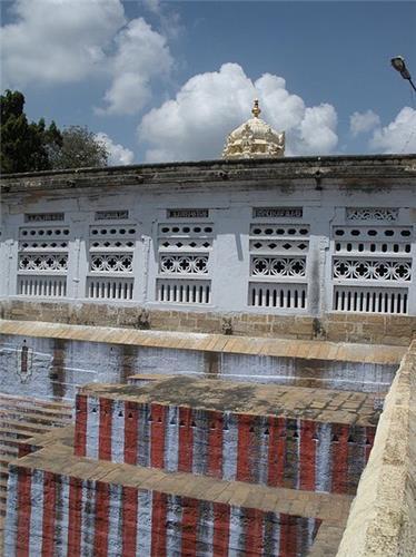 Temple Tank of Woraiyur Azhagiya Manavalan Temple