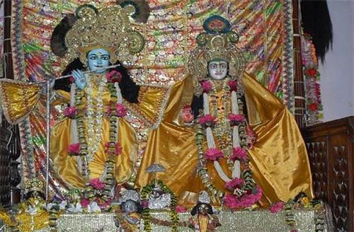 Deity in Kathia Baba Mandir