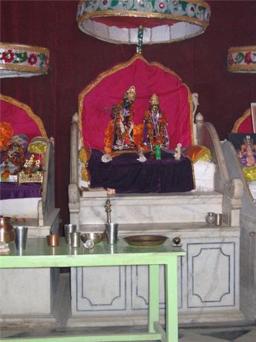 Deities at Tekari Rani Temple