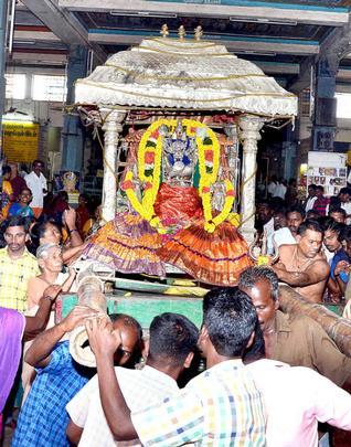 Procession Vayalur Murugan Temple
