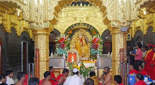 How to reach Shirdi from Bangalore