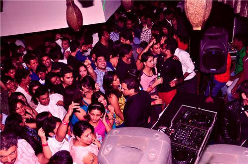 Bangalore Nightlife, Bars And Pubs In Bangalore, Disc Bangalore