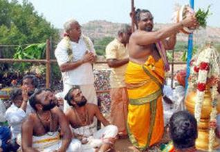 Mahakumbabishekam performed to the Veludayanpattu Sri Siva Subramania Swamy Temple