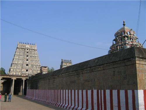 Prakarams at Srimushnam Temple