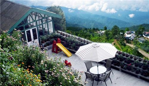 Central Gleneagles Heritage Resort Embarked with Natural Ambiance in Darjeeling