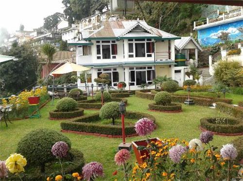 Wonderful Surroundings of Central Heritage Hotel in Darjeeling