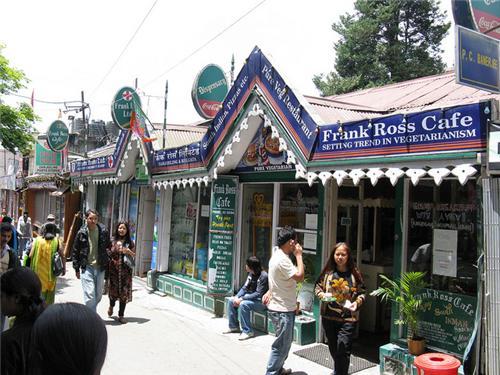 Frank Ross Cafe inn Darjeeling