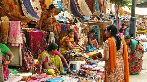 Janpath Market Delhi Shopping In Janpath Market Connaught