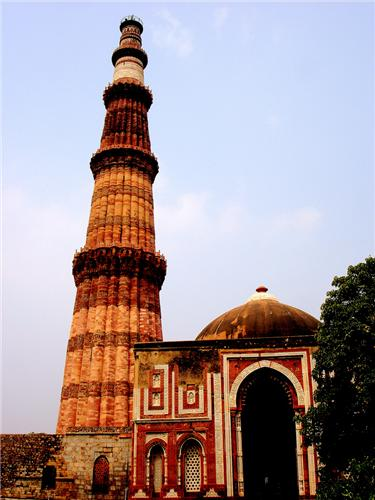 history of qutub minar in hindi Qutub minar is a hindu structure – part 1 qutub minar is a hindu structure – part 2 qutub minar is a hindu structure – part 3 qutub minar is a hindu structure – part 4 around 14kms from the heart of delhi city, lies the world's largest brick minaret – the qutub minar it lies not too far .