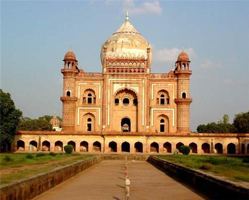 Safdarjung's Tomb in Delhi, History of Safdarjung Tomb