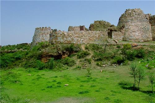 Tuglaqabad Fort in Delhi