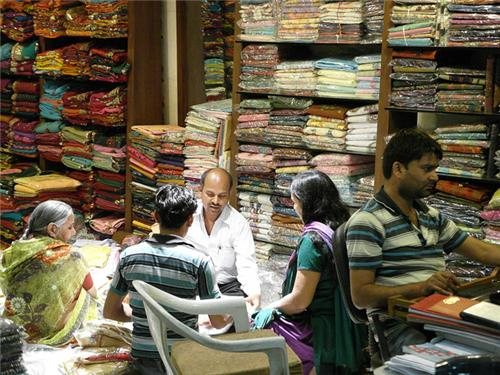 Wholesale cloth market in Delhi