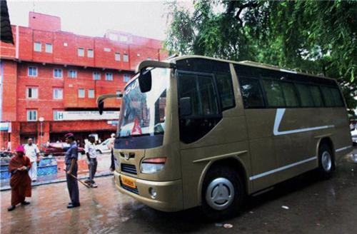 Buses from Delhi to Lucknow