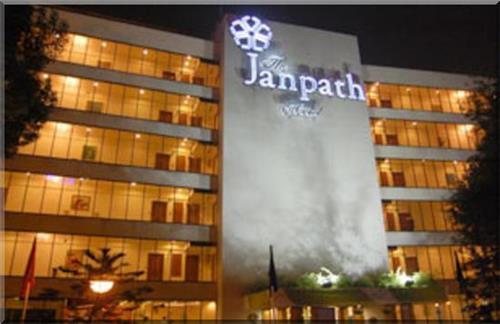 Midrange Hotels in Delhi
