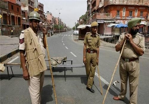 Alert Dholpur Police in action on the city roads