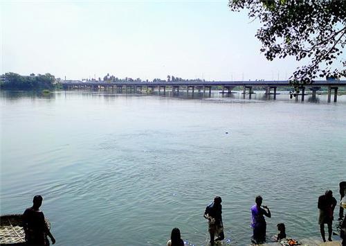 Holy Dip at the Cauvery-Bhavani Sangamam