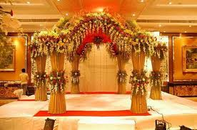 Flower-decoration-in-marriage-hall