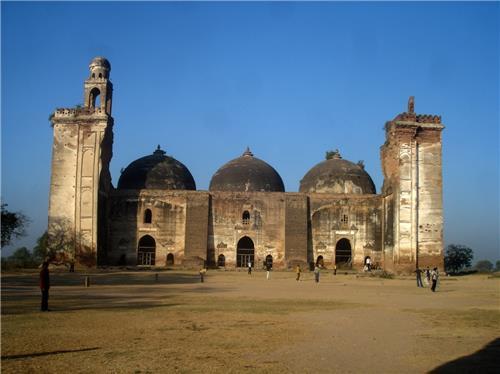 Khan Mosque
