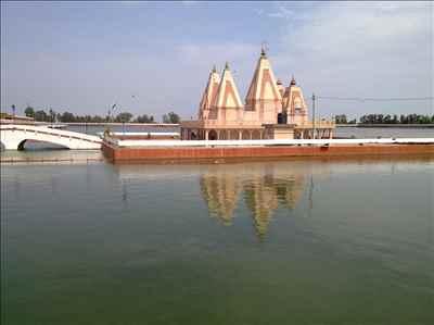 http://im.hunt.in/cg/Har/About/Tourism/m1m-bada-talab-kurukshetra.jpg