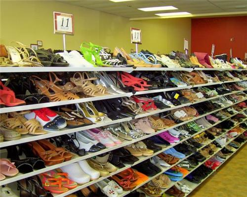 Footwear shops in Hansi