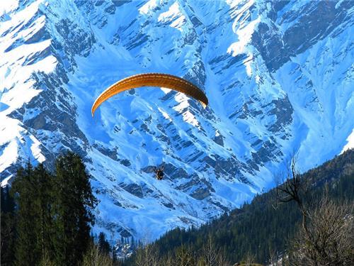 Paragliding in Himachal Pradesh