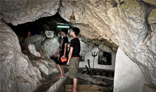 Caves in Himachal Pradesh