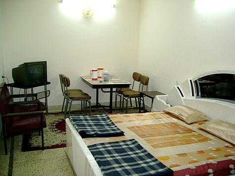 Hotel in Bombay Picnic Spot