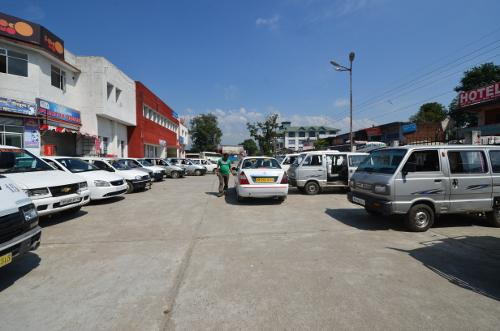 Taxis Parked near the Bus Stand at Kangra