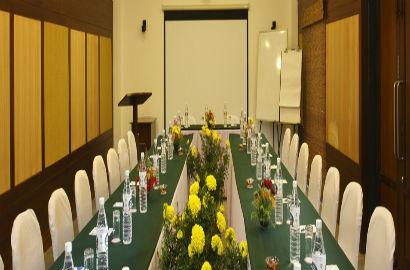 Conference Facility at Baikunth Resort in Kasauli