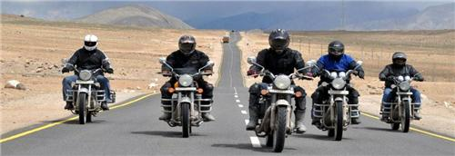Bikes available in Kasauli for travel hunt